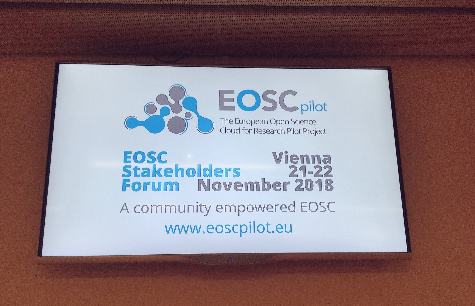 A Community-empowered EOSC @EOSCPilot Final SF